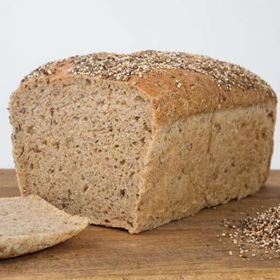 01-MGL0271-Pan-molde-espelta-semillas-Quinoa-Chia-REBANADO-1