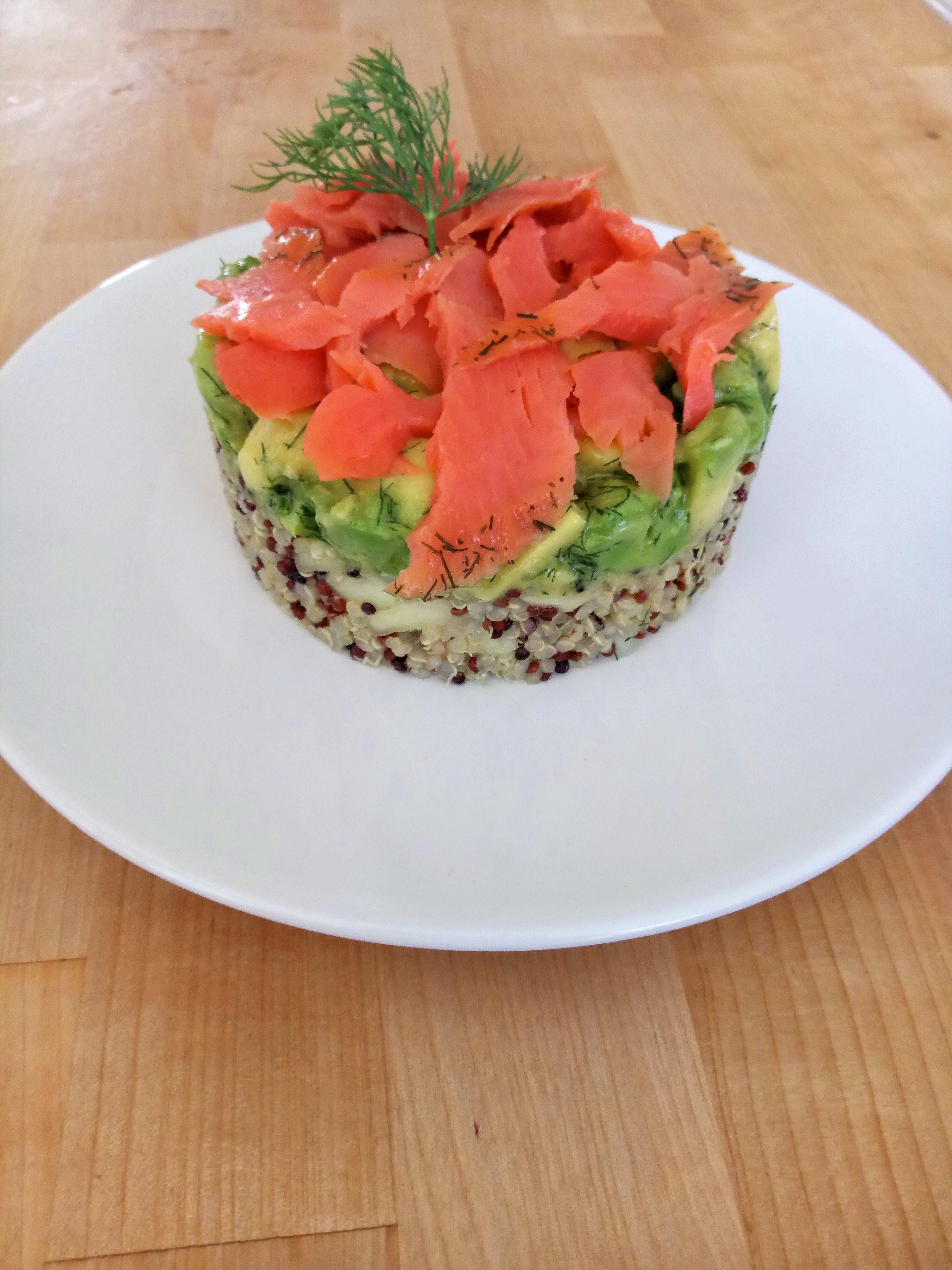 tartar de salmón y aguacate ecológico